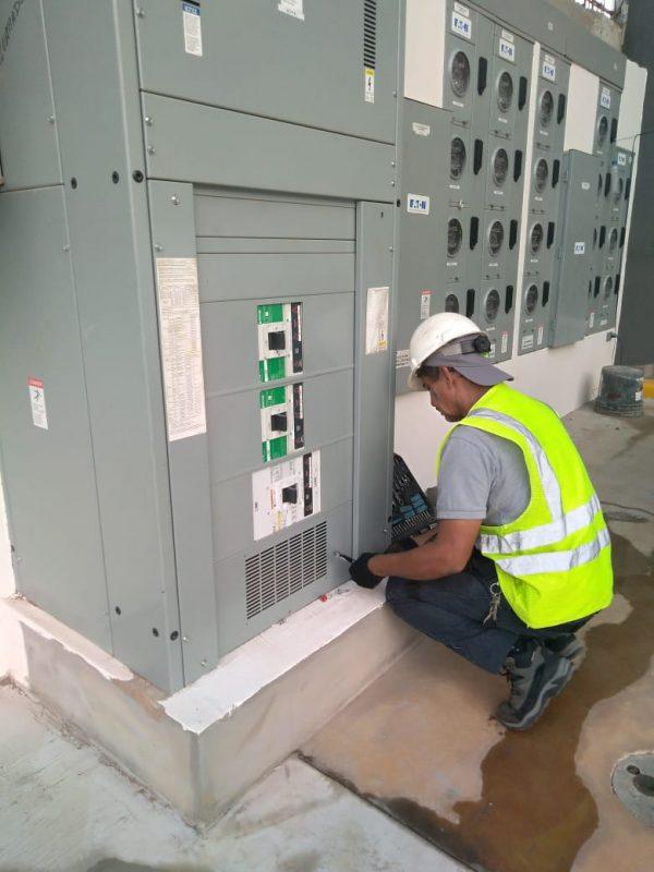 Adecuaciones eléctricas   Seisa - Panamá